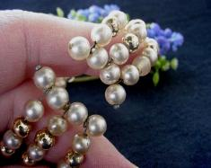 Glass Gold and Pearl Spring Memory Bracelet