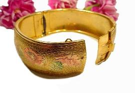 Coro vintage Wide Bangle, rare un-worn  exceptional bracelet