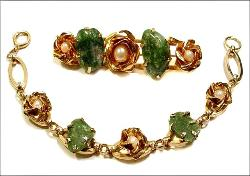 Green Stones and Golden Roses centered with a single pearl, bracelet.