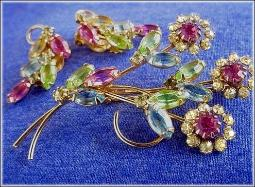 Matching Brooch & Earrings Brooch Set