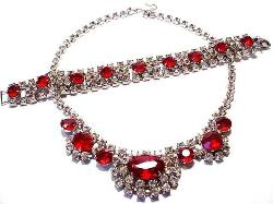 Lg Ovals Rounds Chatons Ruby Red Necklace/Bracelet Set says it all