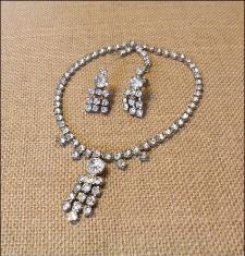 Drippy RHINESTONE Vintage Necklace Earring Demi Parure SET