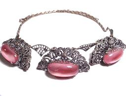 Antique filigree fanlike oval links pink centers necklace