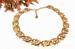 Goldtone vintage double heart and rhinestone choker necklace