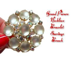 Beautiful Parure Sets filled with grace of white satin moonstones