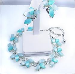 Fan Like Blue and Sky Blue Thermoset Necklace Set