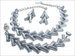 Striking Thermoset Chrome Necklace + Bracelet + Earrings