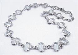 VINTAGE SILVERTONE PALE BLUE COLLET SET NECKLACE