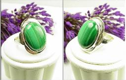 Malachite oval stripped stone,  Size 7