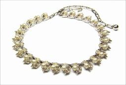 Top quality vintage pearl and crystal rhinestone necklace